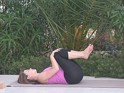 Yoga-Uebung-gegen-Rueckenschmerzen