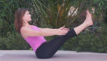 Yoga Übung - Navasana - das Boot