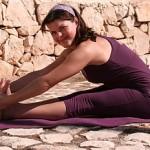 Paschimottanasana mit Yoga-Klotz