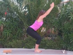 Yoga-Übung Stuhlhaltung-Utkatasana