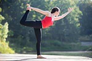 Yoga-Übung der Tänzer, Natarajasana