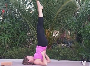 Yoga Übung - Schulterstand - Salamba Sarvangasana