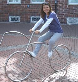 Diana Rick auf dem Fahrrad