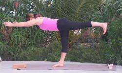 Yoga-Übung-Held3-Virabhadrasana3